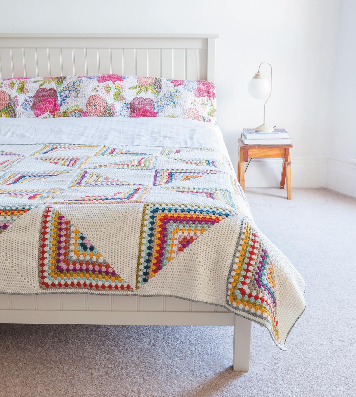 Granny Chic Pinwheel Blanket from Crochet Home by Emma Lamb