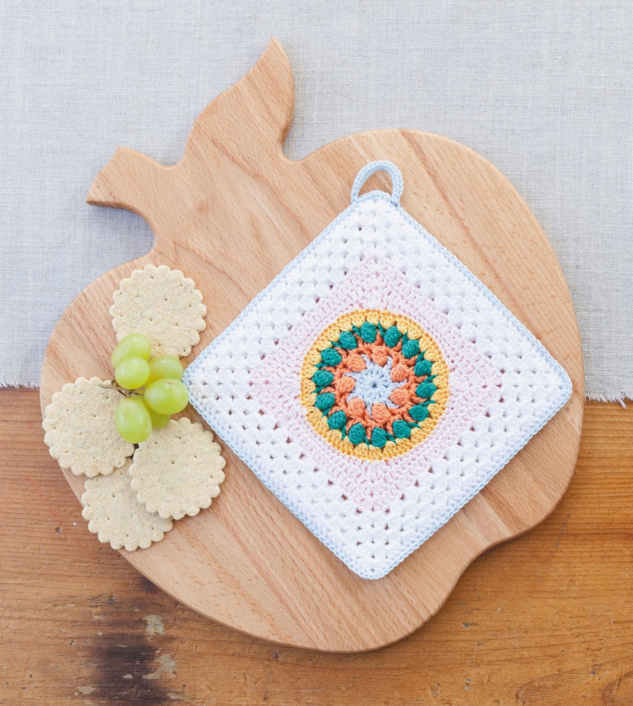 Vintage Folk Medallion Potholder from Crochet Home by Emma Lamb | Crochet designs and styling by Emma Lamb / Photography by Jason M Jenkins