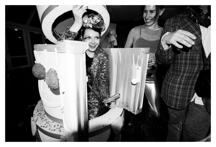 haute-presents-bad-taste-©-camille-blake-129.jpg