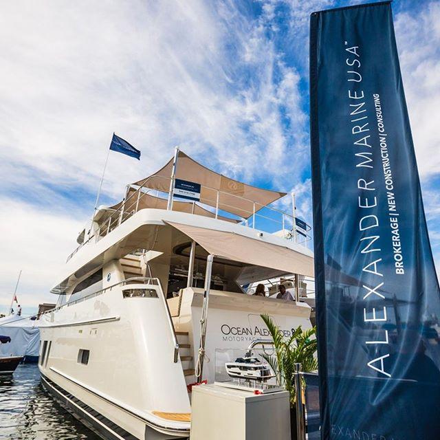Take me back to the gorgeous #newportboatshow 😭🌞🌊 Shot for @alexandermarineusa       #yachts #yachtshow #yachtstyle #yachtsandyachting #yachtsales #yachtspotter #yachtsman #yachtsmiami #yachtslife #yachtsMiamiBeach #yachtsingreece #yachtspotting #yachtslifestyle #yachtservice #yachtsport #yachtschool #yachtsandboat #yachtsofig #yachtstagram #yachtsofinstagram #yachtssailing #yachtstew #yachtschallenge #yachtstewardess #yachtsurveyor #yachtstyling #YachtsInternational #yachtstories #yachtshowmonaco