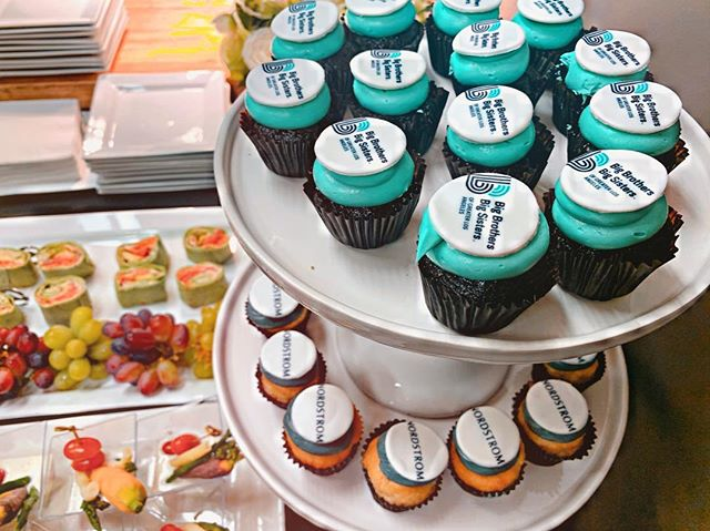 Custom cupcakes for this year's @bbbsla Acessories for Success Shopping Spree @nordstromrack FIGat7th! 💗💗💗 This is such a treat! 🧁 .#cupcakes