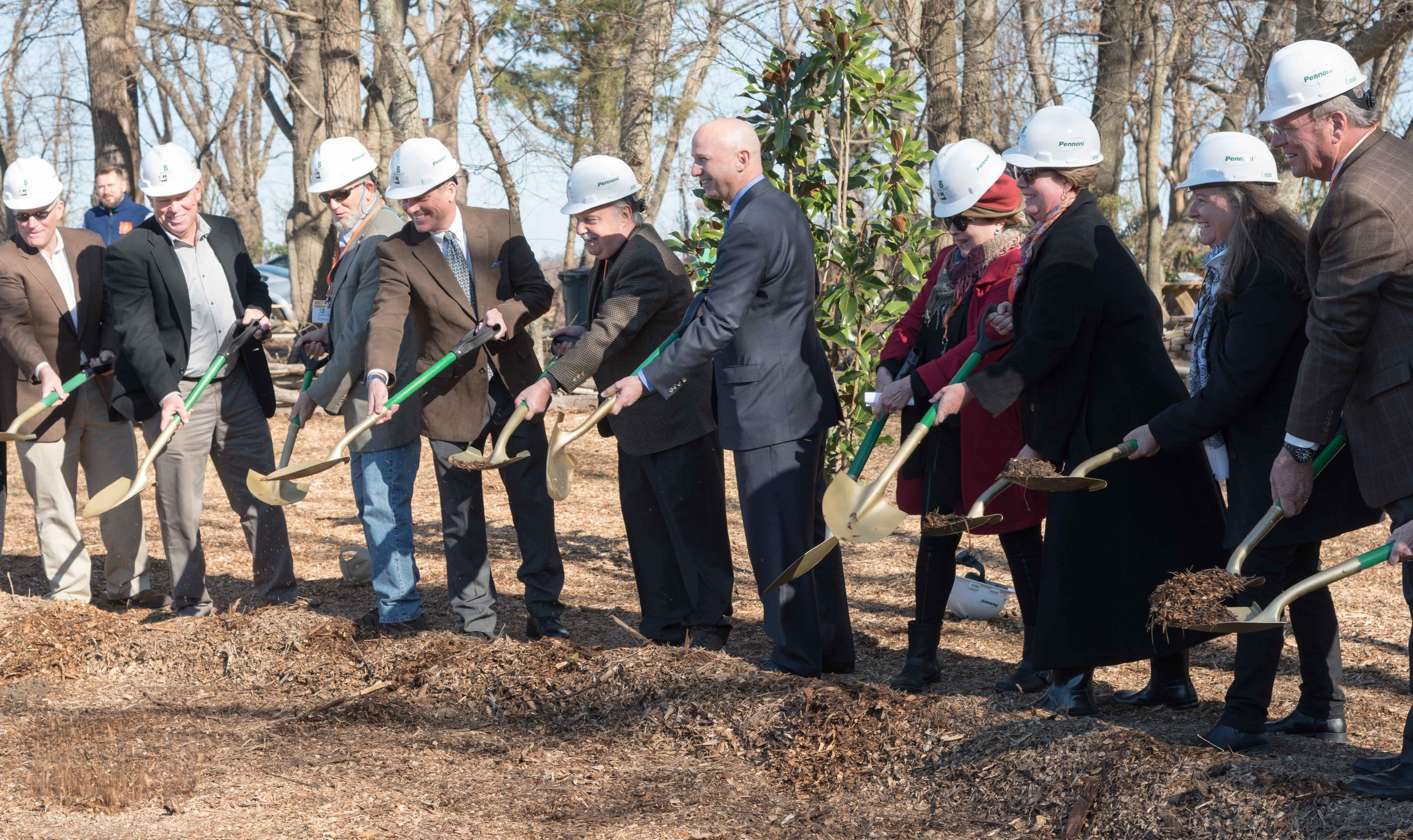 The governor and first lady, public officials, and DBG leaders all pitch in to break ground for the Delaware Botanic Gardens. Photos by Ray Bojarski