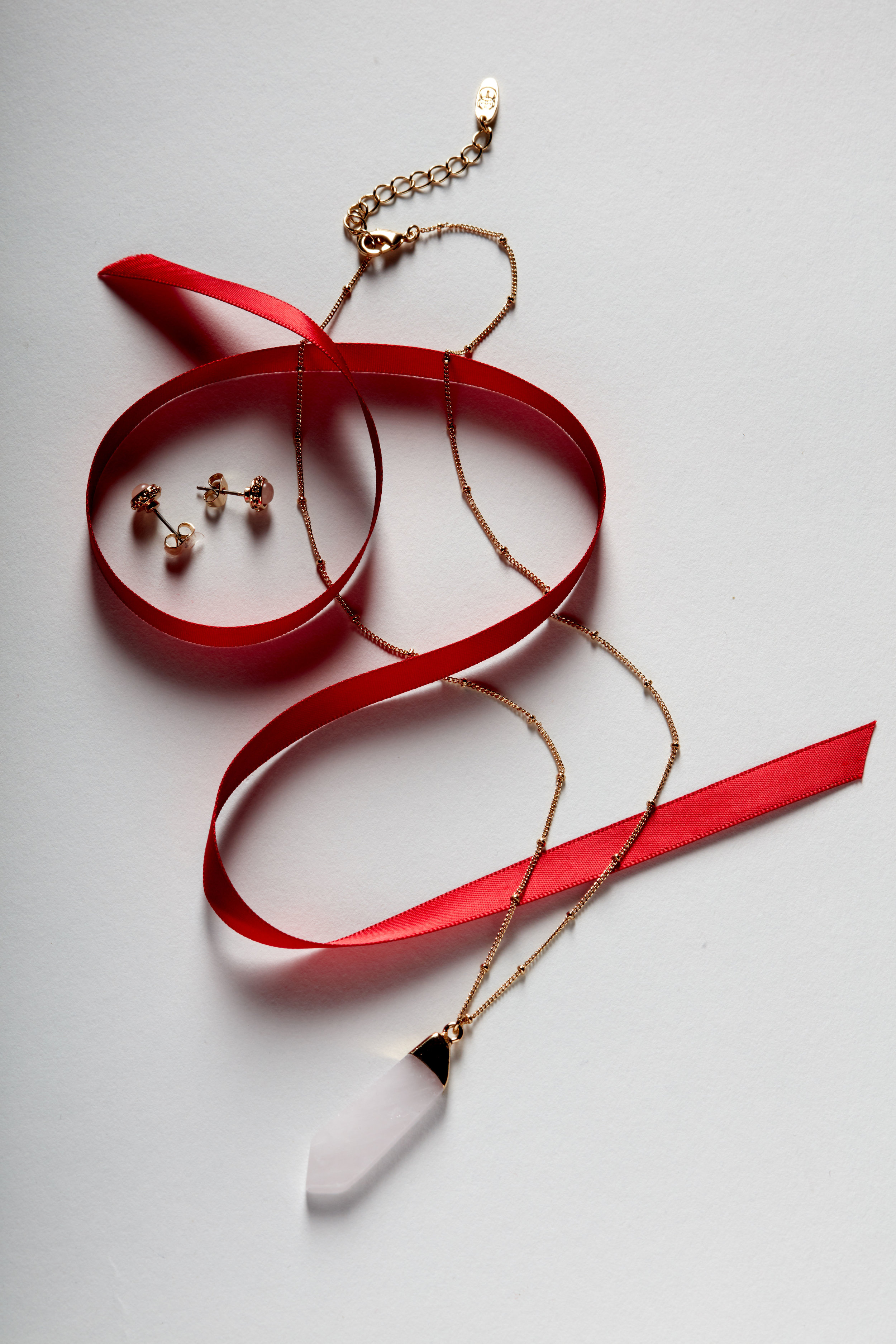 11November27_Gifts_We_love_BP_KM6137_STONE.jpg
