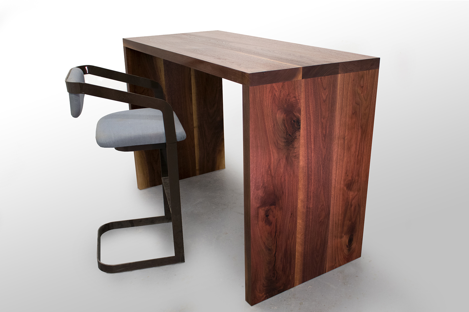 5 foot bar table with chair.jpg