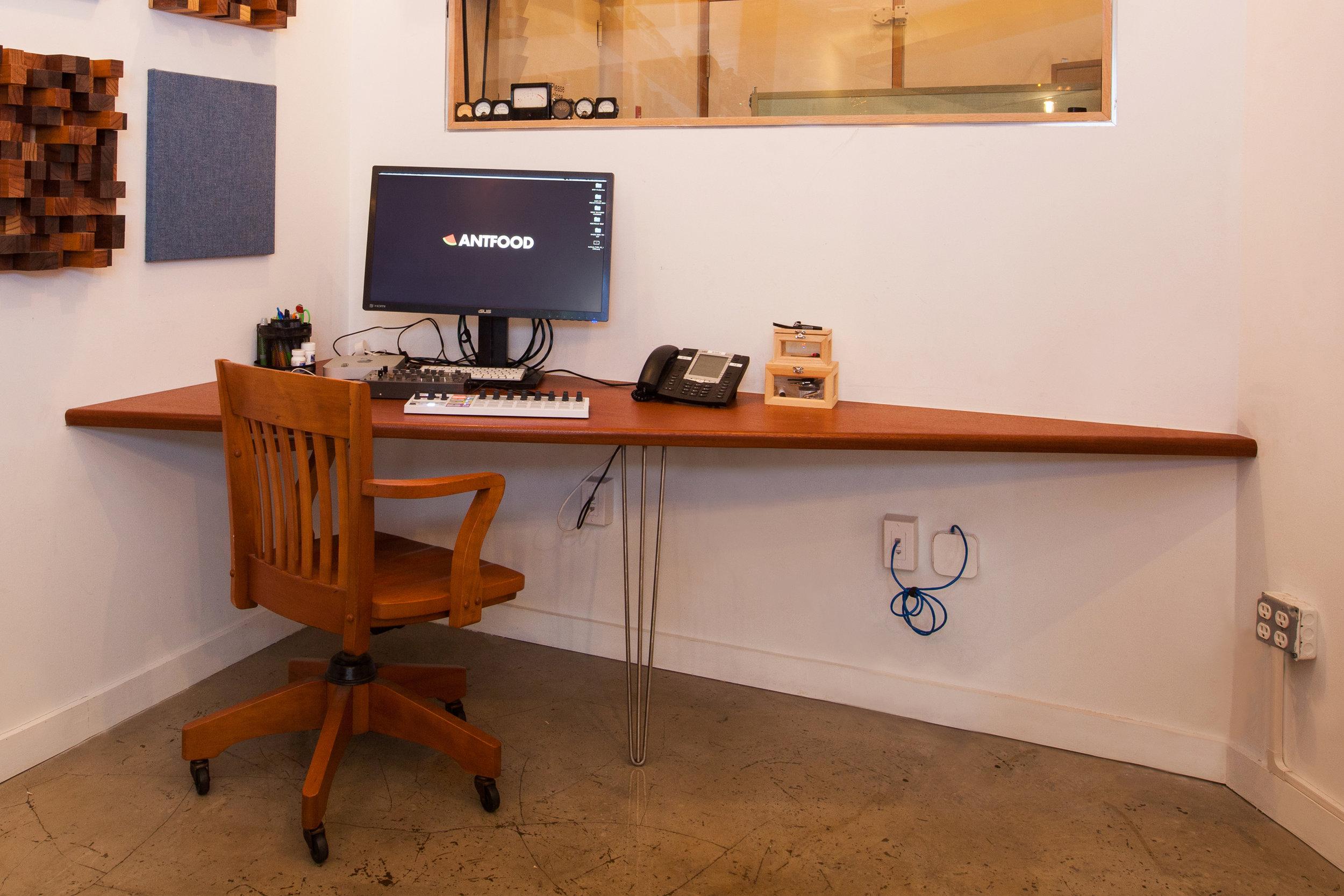 Antfood recording studio5.jpg