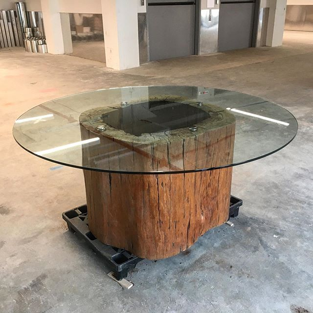 New Brazilian stump with glass, attached by CRL hardware table prototype