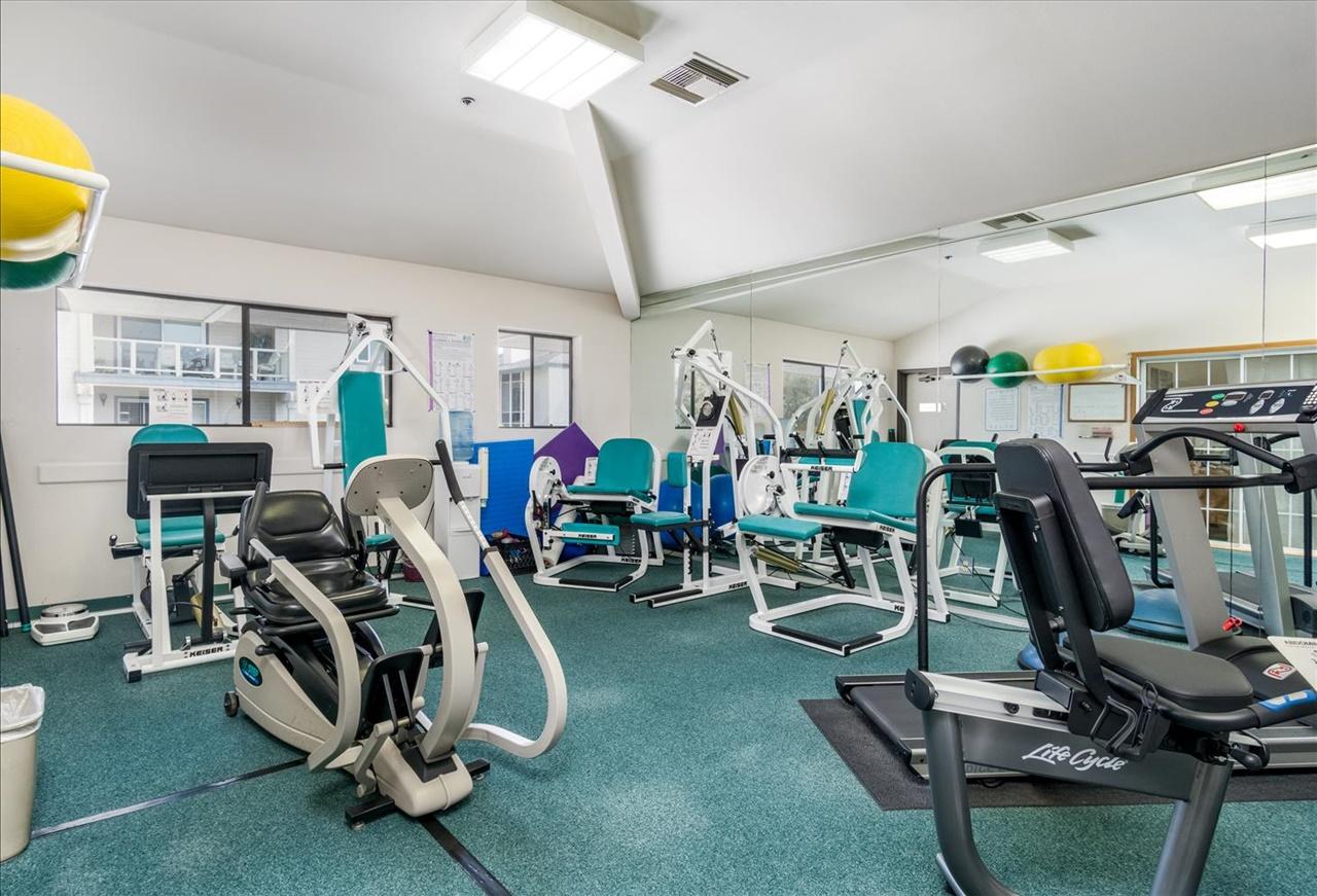 26-Fitness Room.jpg