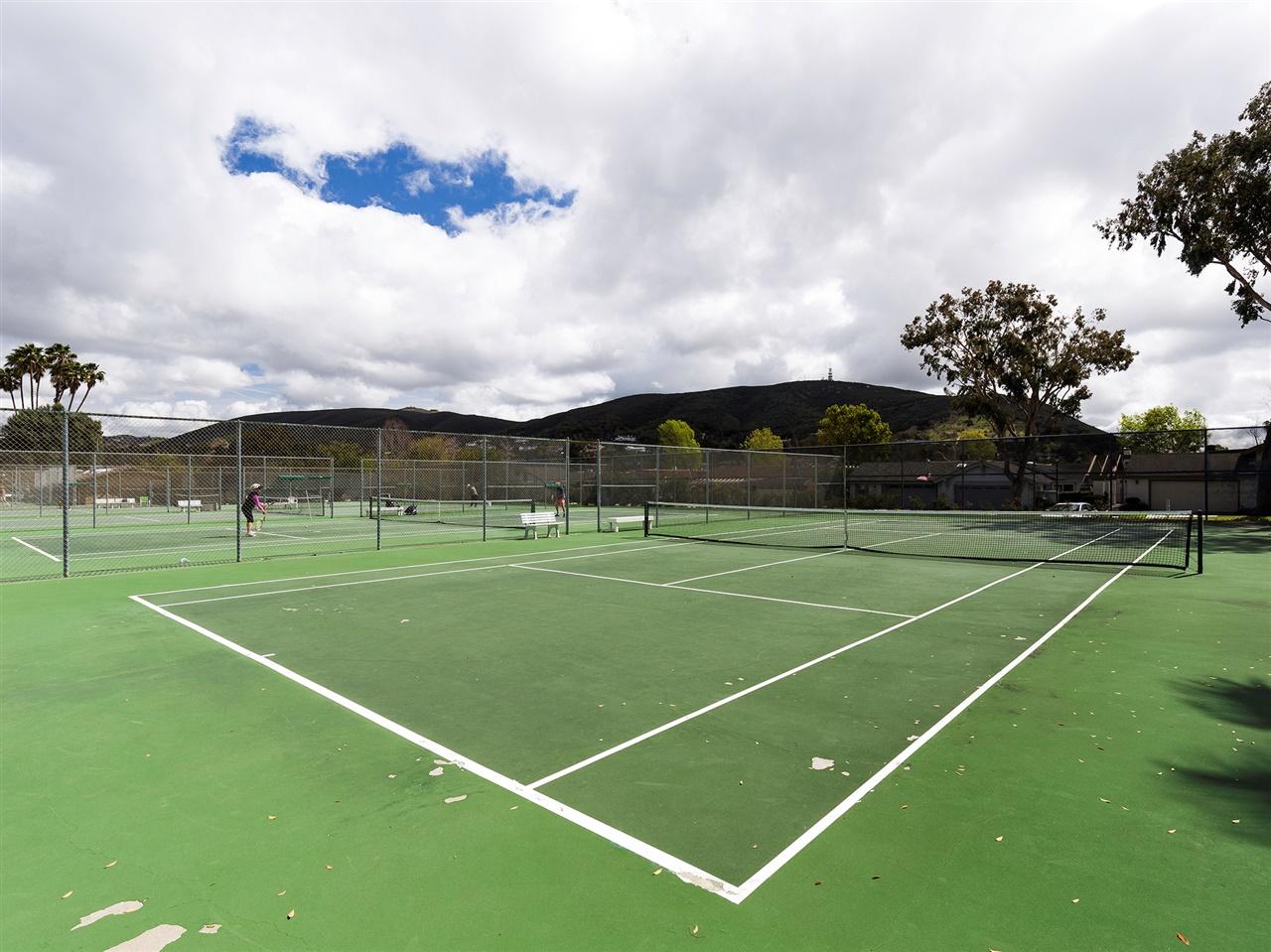 38-tennis_courts.jpg