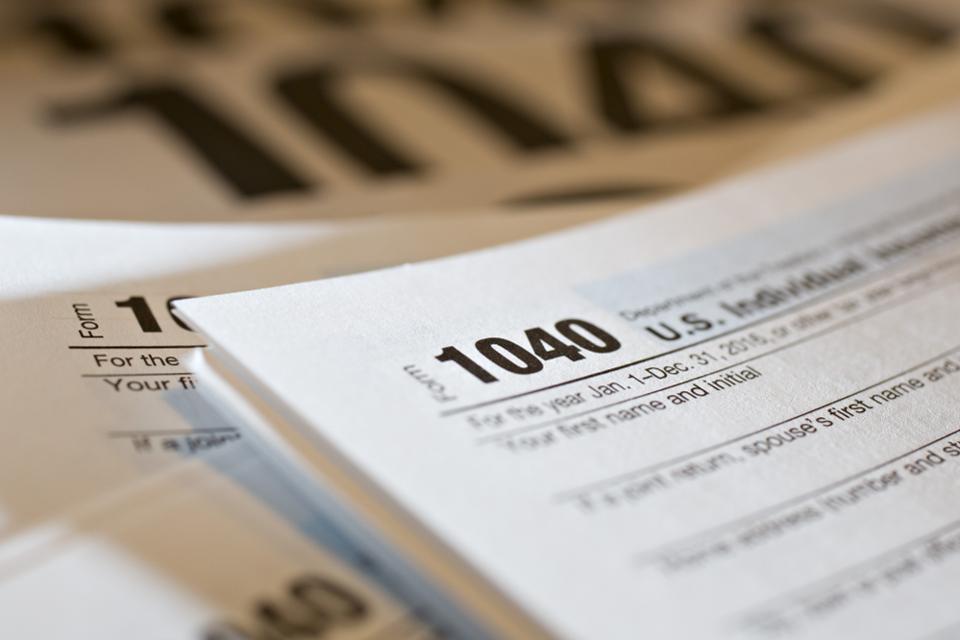 1040 tax form image.jpg