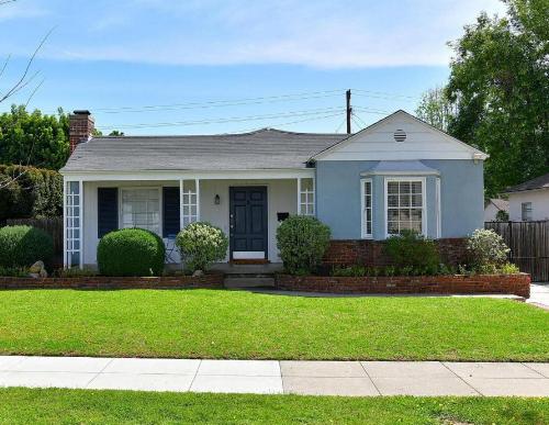Pasadena Real Estate Daisy Villa.png