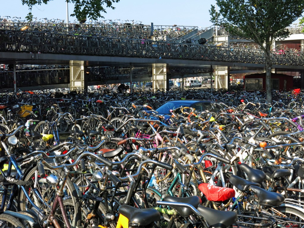 Parking your bike in Amsterdam. // Source : Kristin Walsh