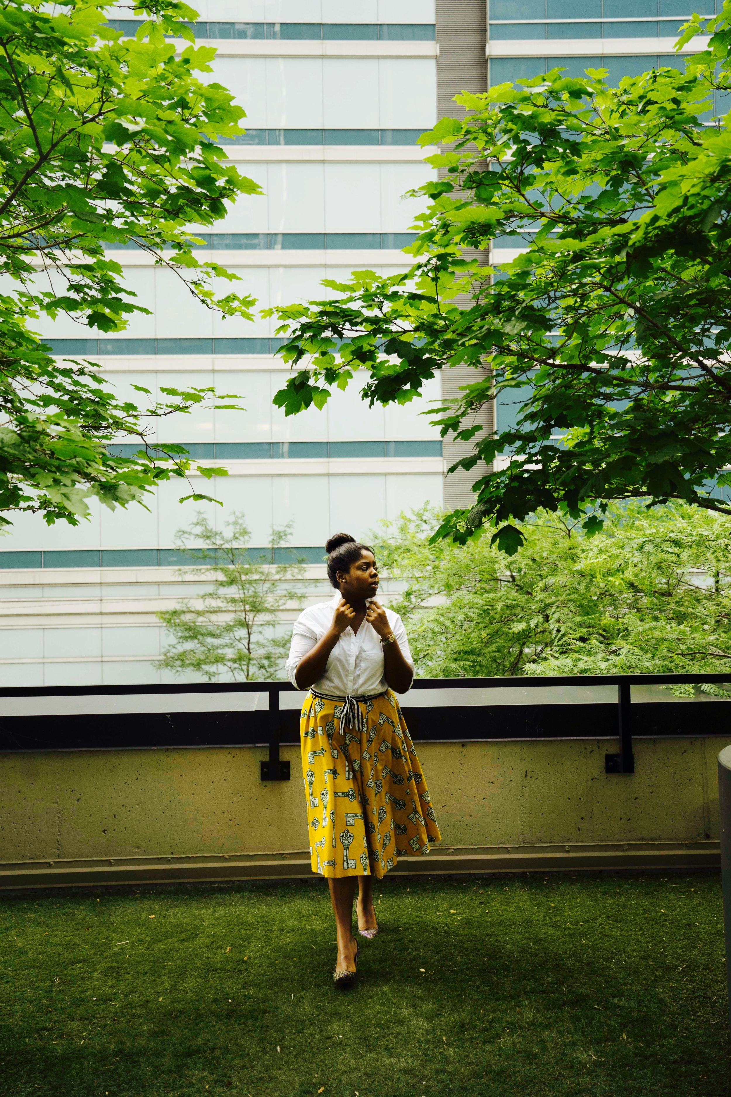 That Hayet Rida Plus SIzed Blogger Ghana NastyGal White Shirt Pokua Poqu Skirt Jcrew ELsie Printed Jaquard Pumps 1 .JPG