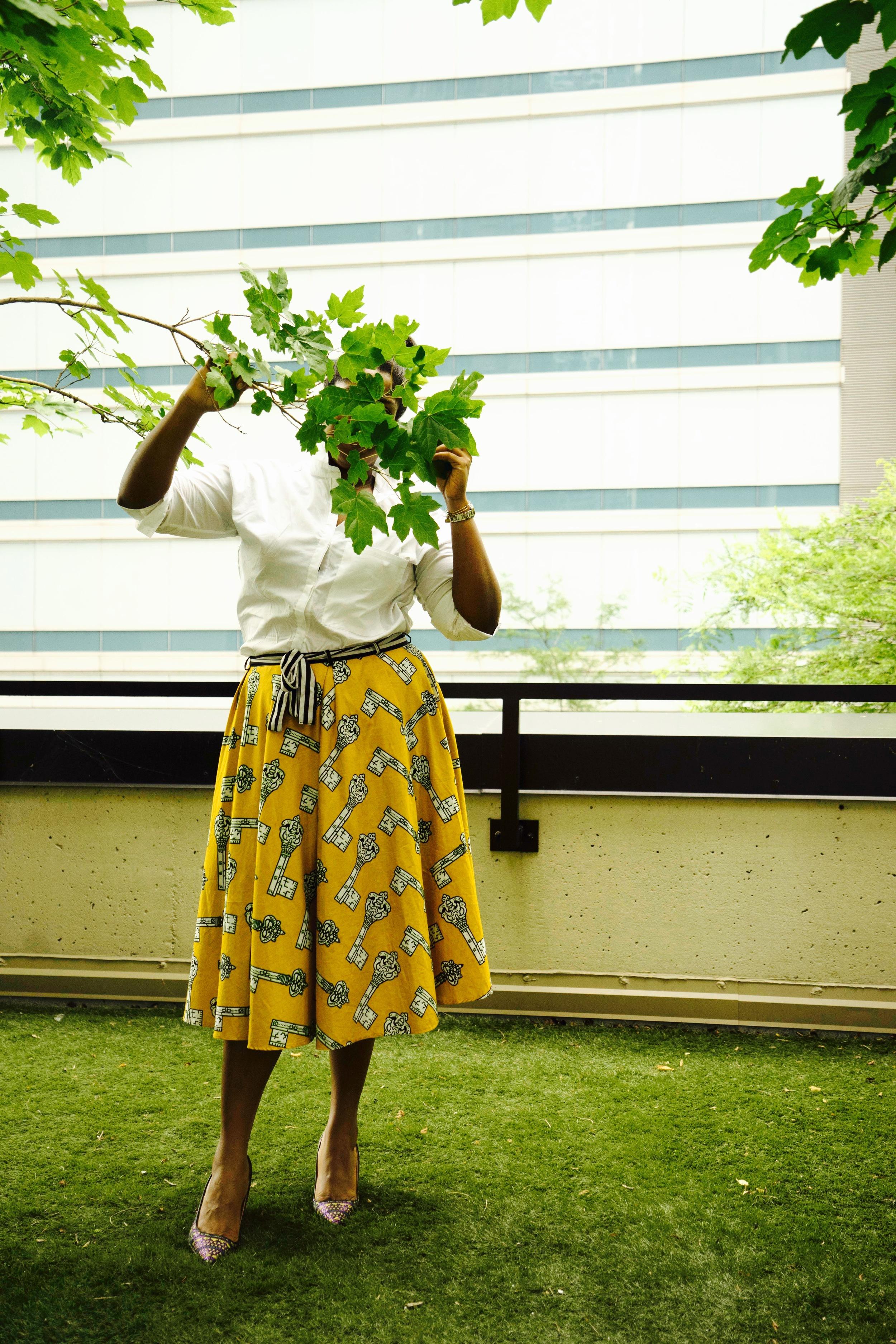 That Hayet Rida Plus SIzed Blogger Ghana NastyGal White Shirt Pokua Poqu Skirt Jcrew ELsie Printed Jaquard Pumps 5.JPG