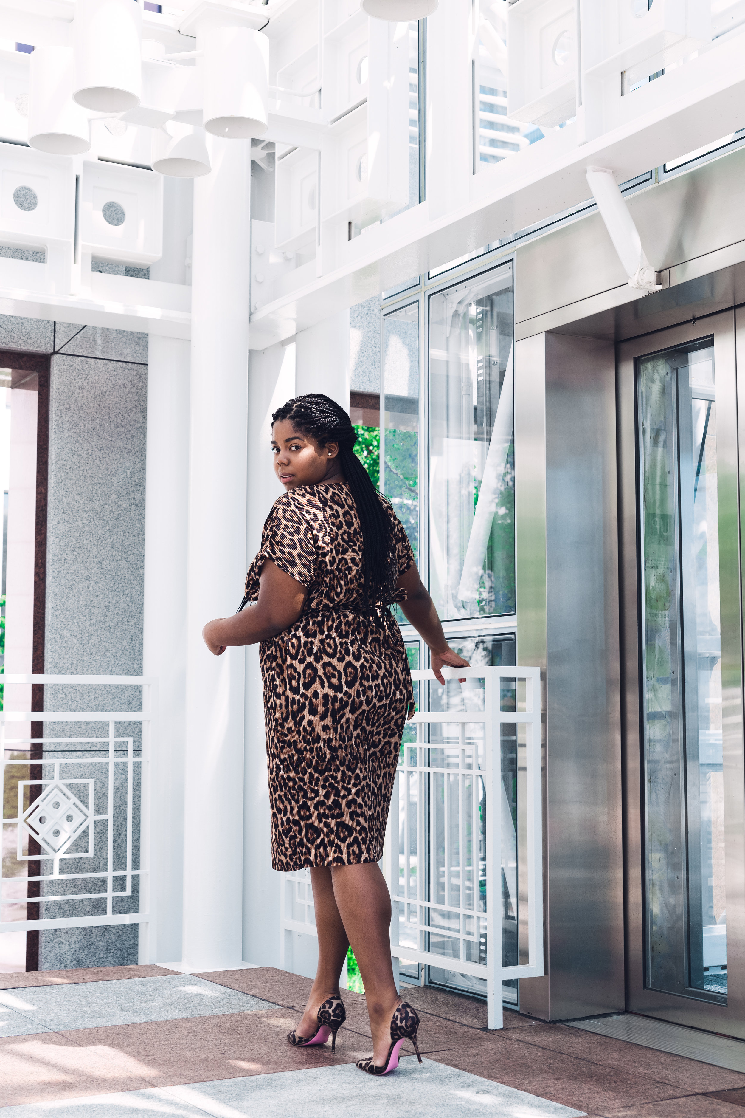 That Hayet Rida New Look Pleated Leopard Midi Asos Asseenonme Plus Size Blogger Chicago Influencer 4.JPG