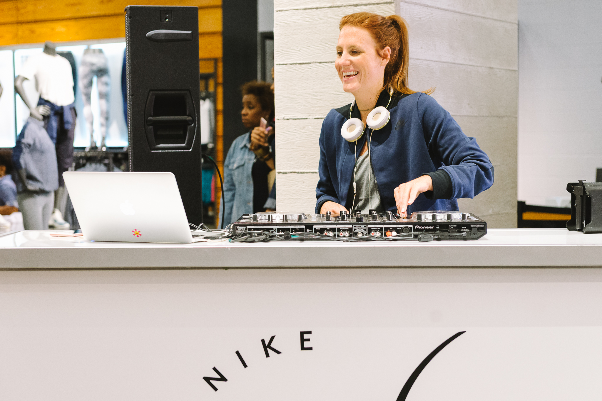 Hayet Rida Chicago Nike Plus Size Line Event Fashion Lifestyle Blogger Nike Air Society Vapor Max 39.jpg