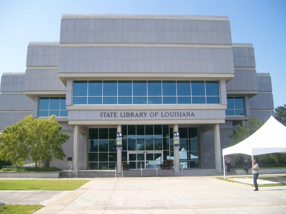 Image of State Library. Meet here at 9:30 AM.