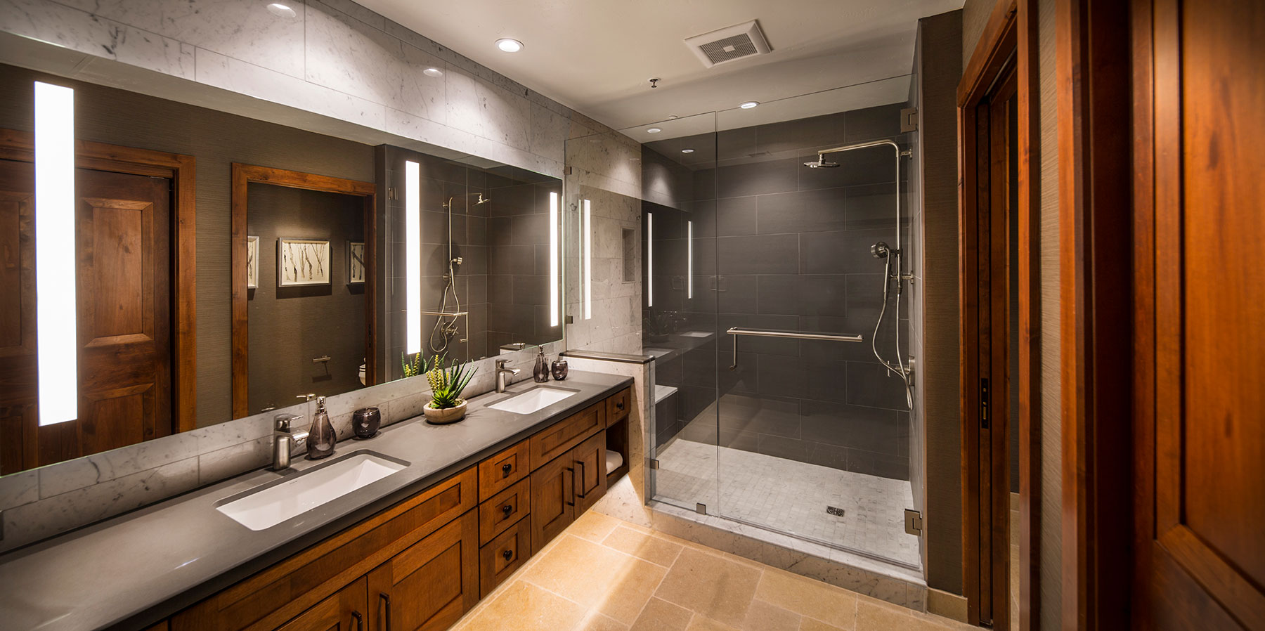 Bathroom 221.jpg