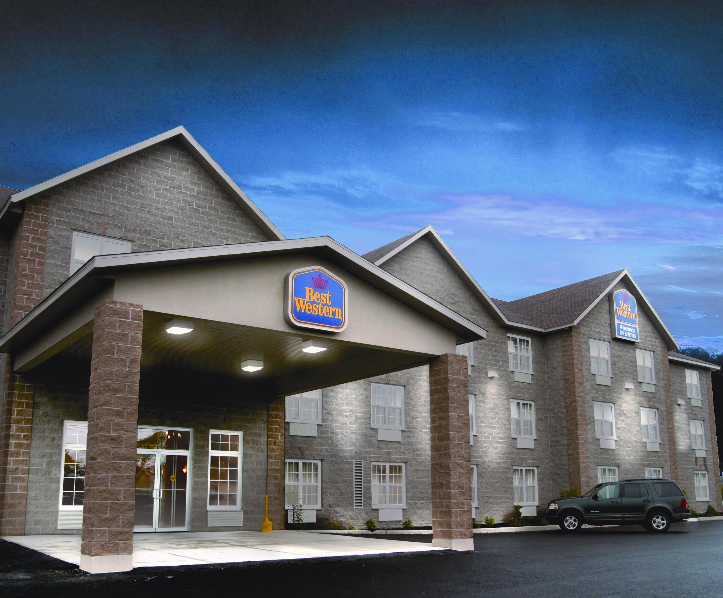 woodstock-illinois-il-Best-western-hotels-quaint-charm