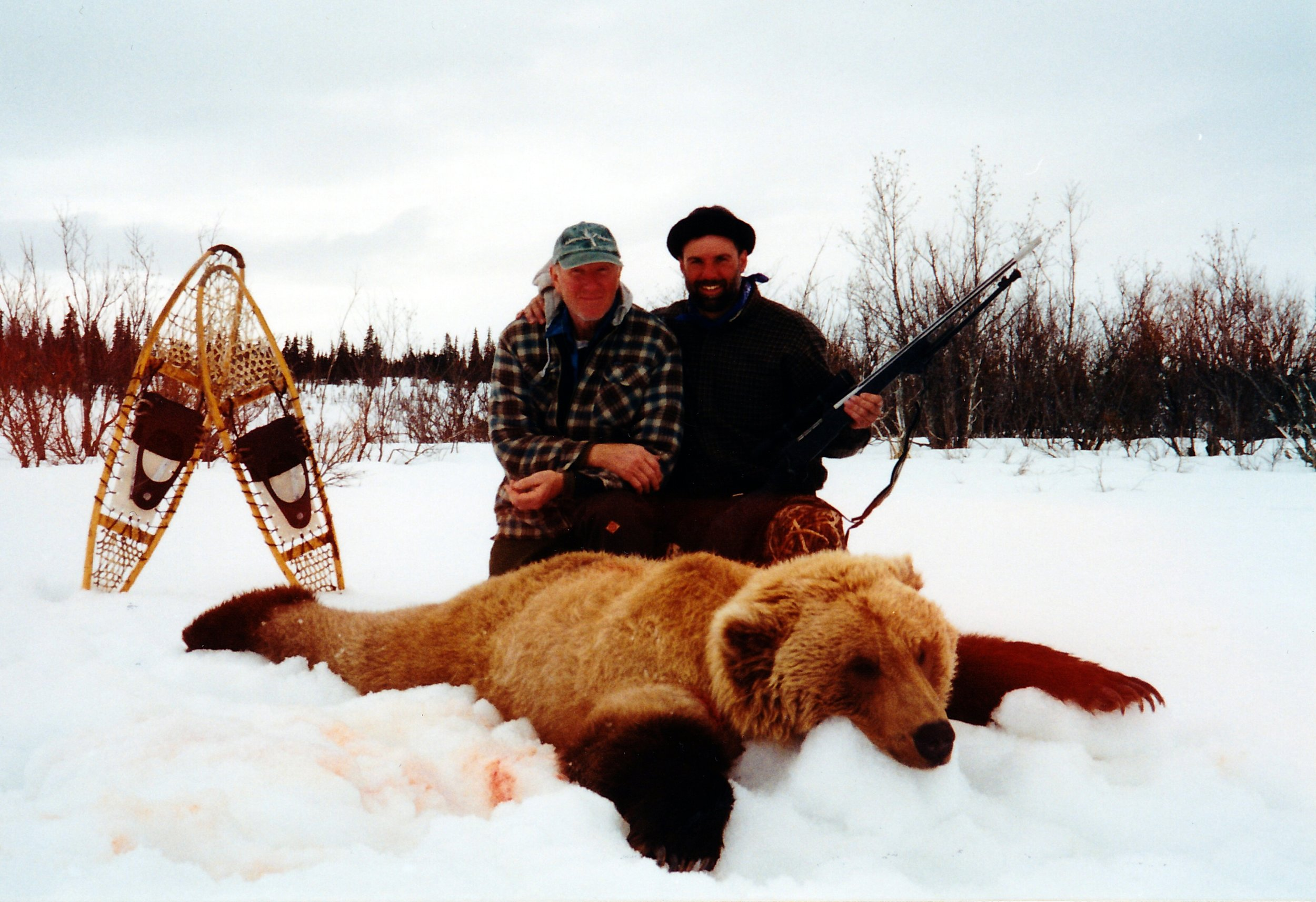 (L to R) Guide EJ Hiett and client Terry Byrne, of Lexington, OH.