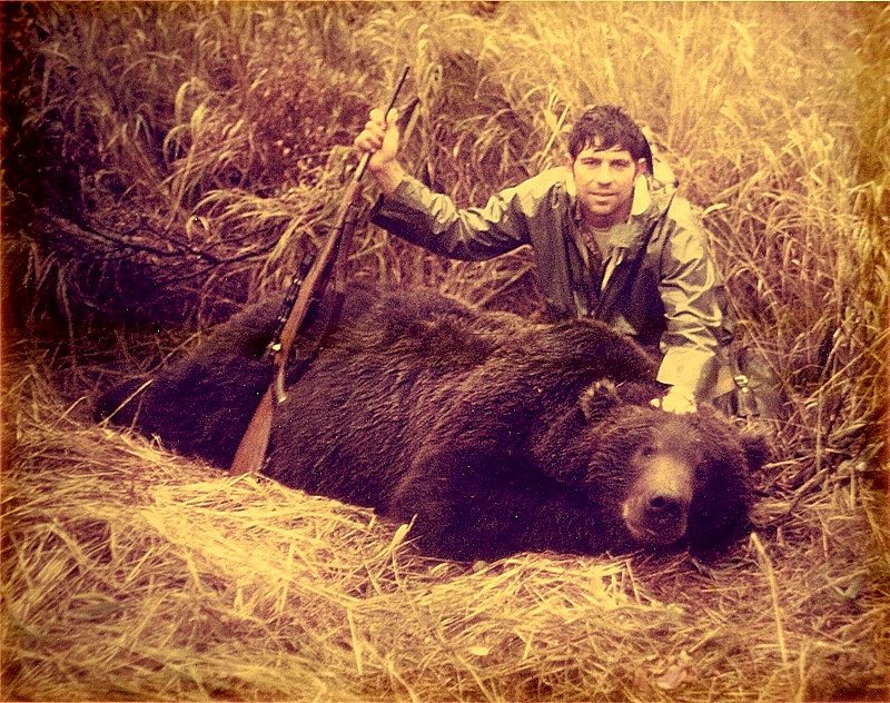 """Finally, after four hunts I have my 9'2"""" brown bear."""