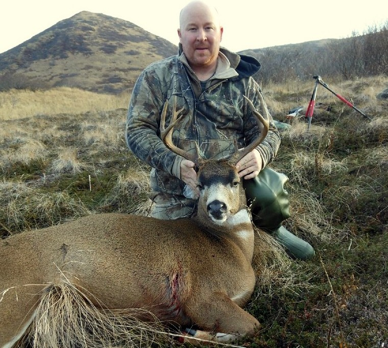 Brian with his 105 B&C gross scoring buck.  A truly nice buck.