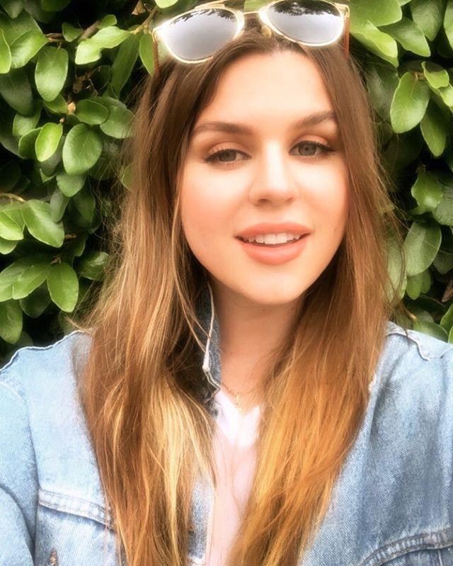 Summer, bitches! ☀️ Makeup 💄  but @lavonnebeauty