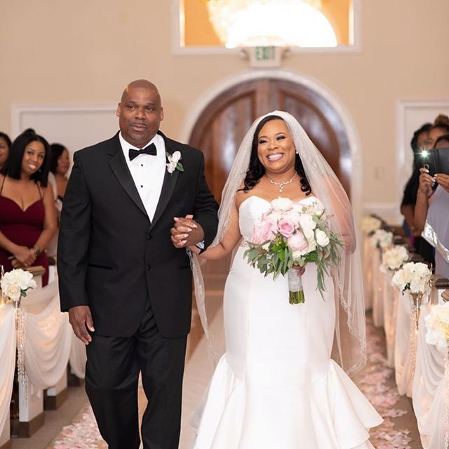 Ending this week with another precious wedding moment with our beautiful bride Kemyauna @maury0912 walking down the aisle to her love last month. ⠀ ⠀ It's every bride's dream to be the most radiant version of herself on her day and Kemyauna didn't disappoint! She was truly a vision that left everyone in awe!!⠀ ⠀ #ChooseLove #BeaLove #BeaYou #BeaU⠀ ⠀ 📸: @hopeballengerphotography⠀ ⠀ 🌹⠀ .⠀ .⠀ .⠀ #curvyrose #curvyrosebridal #wearecurvyrose #BeLove #BeYou #curvybrides #bodypositivebridal #sizeinclusivebridal #bridalstylist #bridalstyling #curvybridalgowns #2019bride #2020bride #atlantabride #engaged #weddingdresses #weddinggown #bridalgown #bridaldress #atlantaweddings 🌹