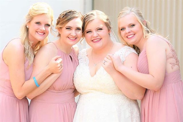 Paige married this past May and chose a lovely blush pink for her band of sisters. ⠀ ⠀ Working in another state while planning a wedding is tough, but with the help of her family Paige handled it all with ease. Between her demanding work schedule in Atlanta and weekend trips home to Ohio she trusted her maids and family to be her hands and feet. Even her fiancé helped out by choosing the cake flavor. They all supported her vision and on that special day in May it all came together beautifully. Take a note from Paige. Choose maids that will put your hearts desire above their own and delegate where you can. #ittakesavillage #RealCurvyRoseBride⠀ ⠀ #ChooseLove #BeaLove #BeaYou #BeaU⠀ ⠀ 🌹⠀ .⠀ .⠀ .⠀ #curvyrose #curvyrosebridal #wearecurvyrose #BeLove #BeYou #curvybrides #bodypositivebridal #sizeinclusivebridal #bridalstylist #bridalstyling #curvybridalgowns #2019bride #2020bride #atlantabride #engaged #weddingdresses #weddinggown #bridalgown #bridaldress #atlantaweddings 🌹