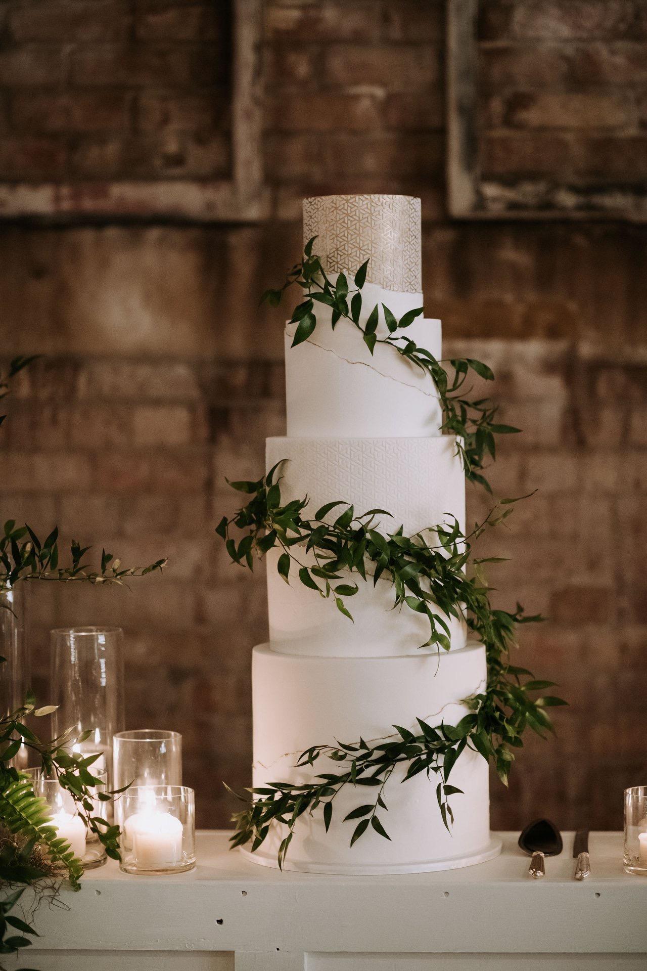 Vanillapod-weddingcakes-brisbaneweddings-buttercream-fondant (5).JPG
