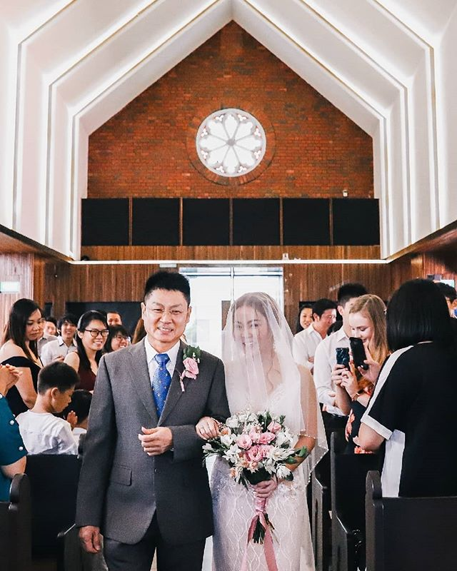 . . . . . #krezyforhil #wesleymethodist #wesleymethodistwedding #fortcanning #sgweddings #sgwedding #sgbride #theweddingscoop #thebridestory