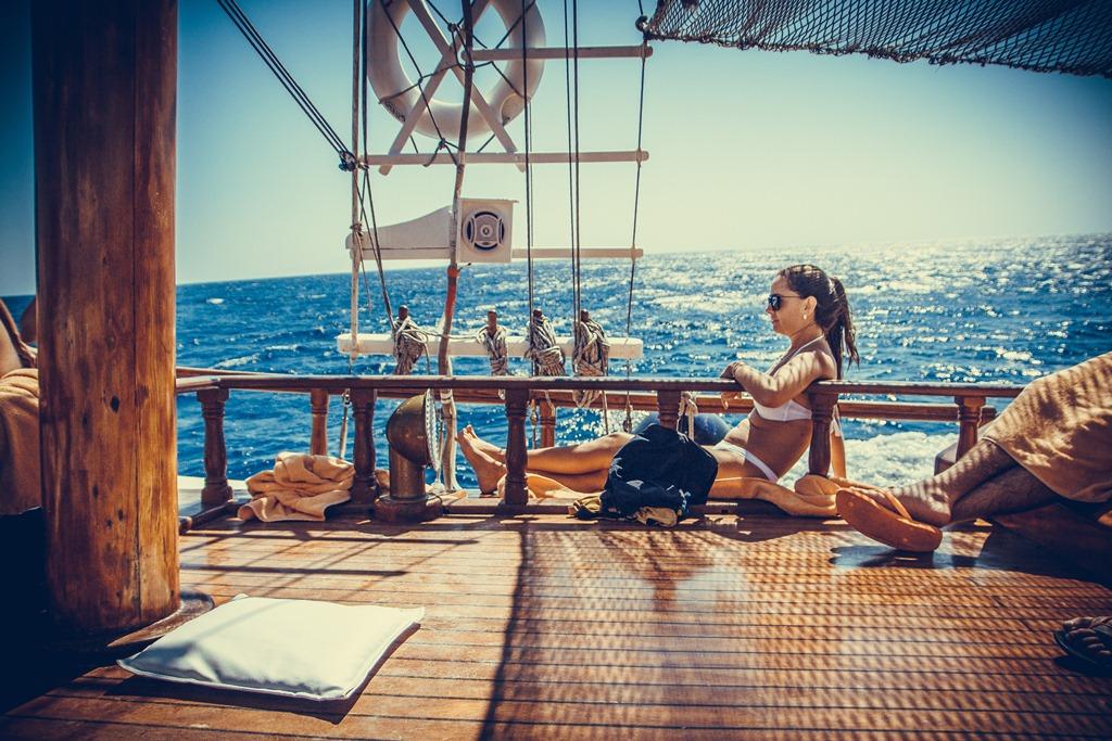 mykonos luxury travel boat rentals (1).jpg