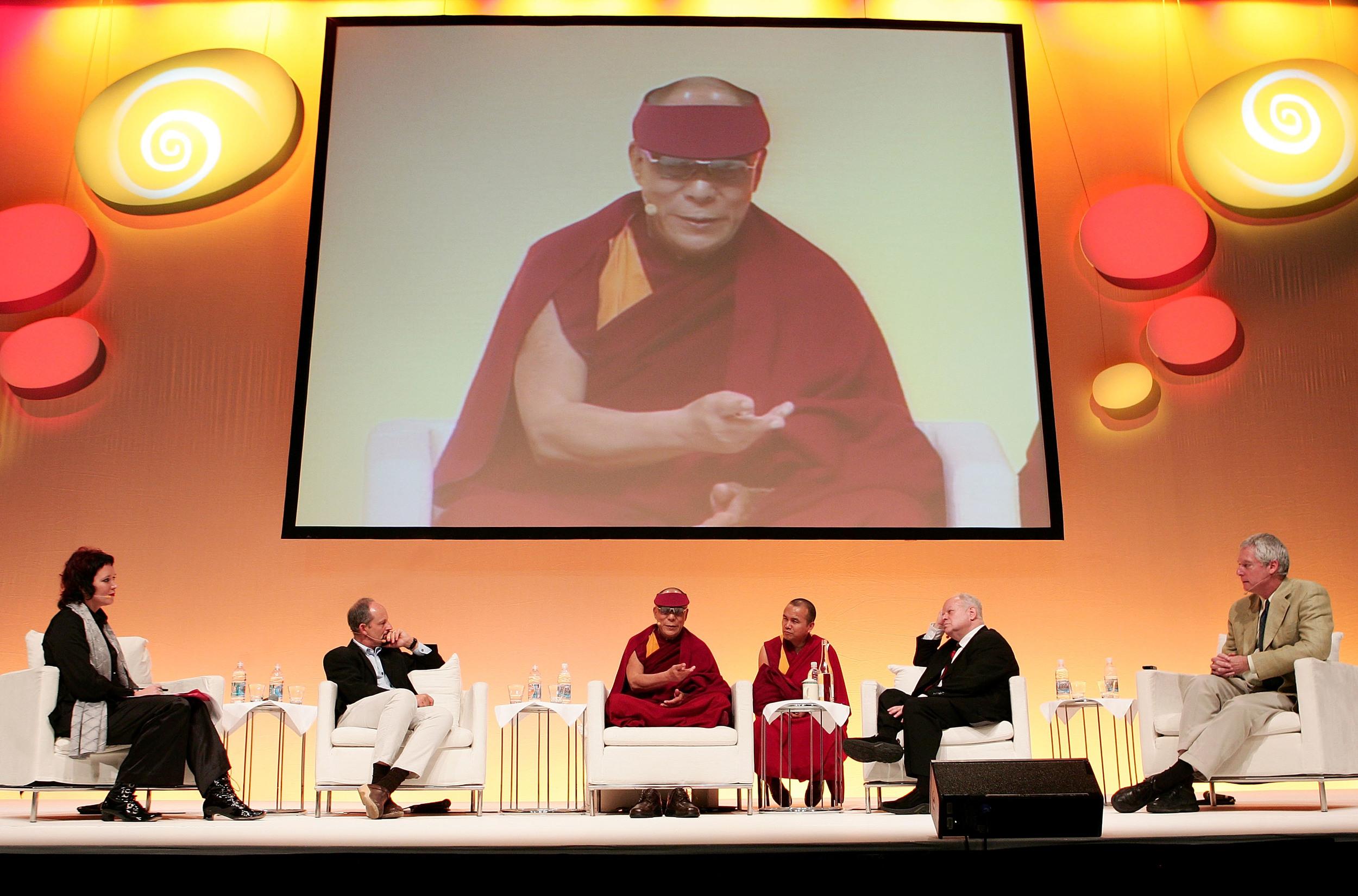88088229GG013_The_Dalai_Lam.JPG