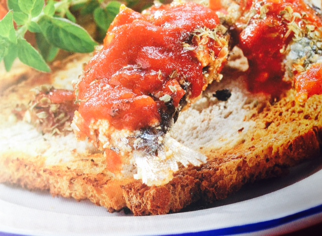 crostini sardine e pomodoro
