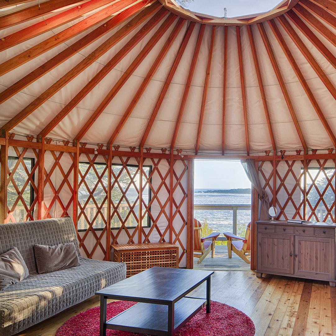 Pacific-Yurts-Cozy-Interior.jpg