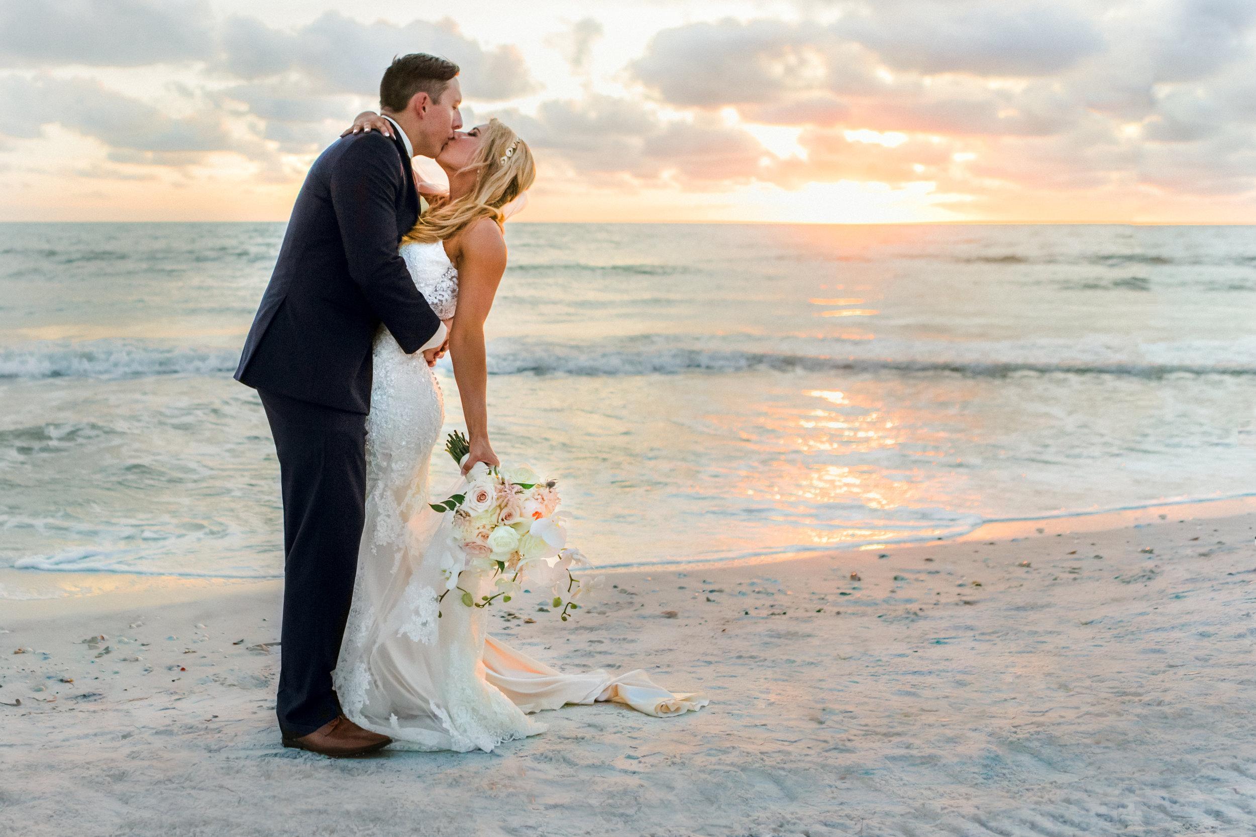Longboat Key Club wedding Bride & Groom floral design by Victoria Blooms