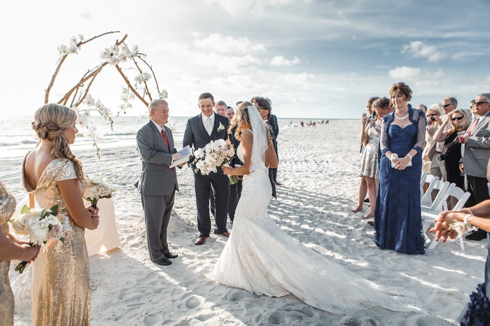 Longboat-Key-Club-Wedding-Golden-boho-inspired 33.jpg