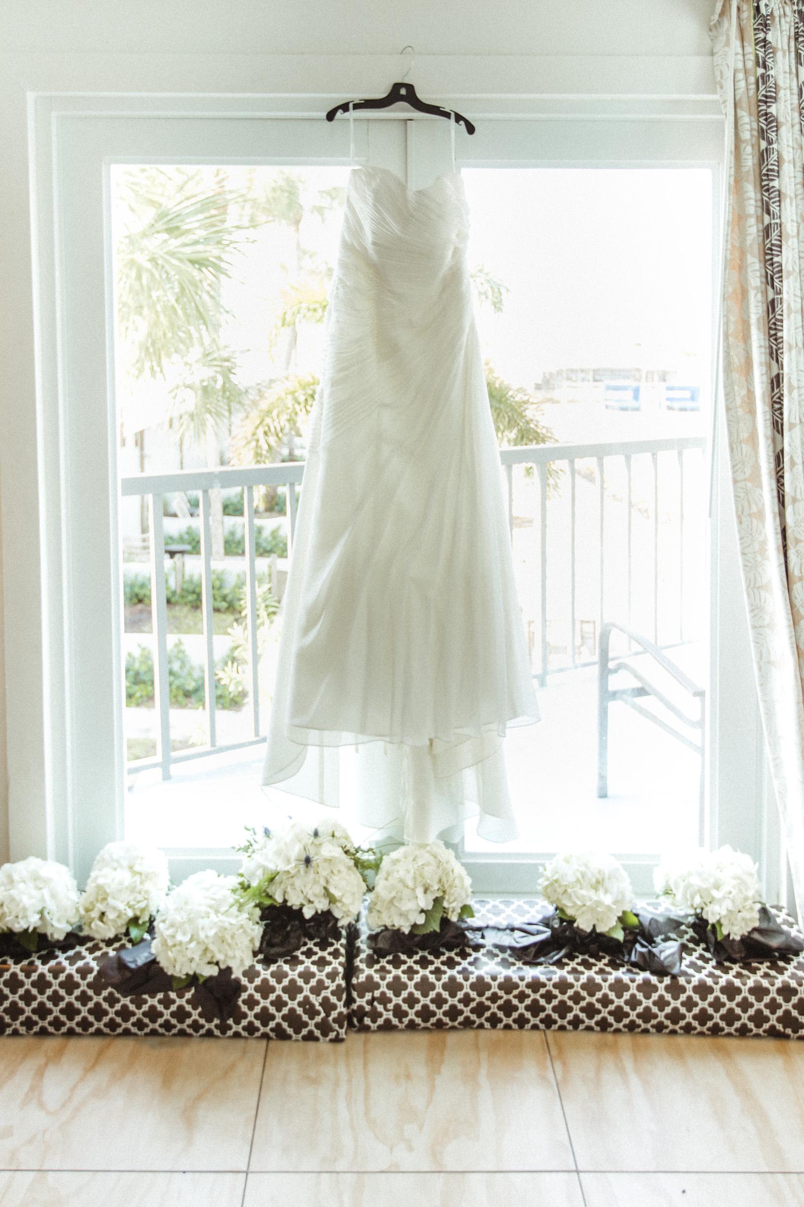 St. Pete Beach Sunset Bride Groom Couples Photos - Postcard-Inn-Sarah-Earl 016.jpg