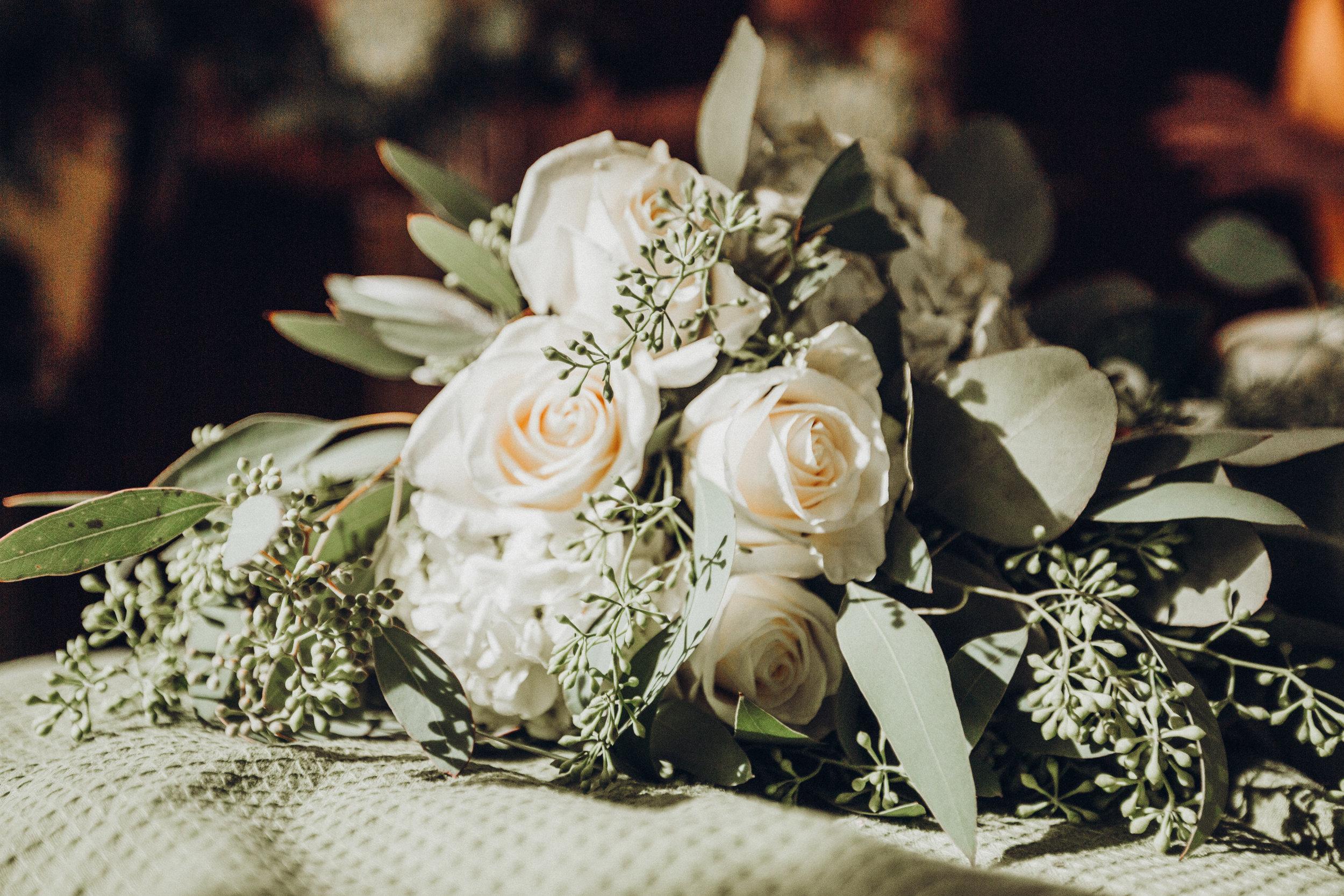 1.Bride'sMorning-RomanticBackyardFarmWedding-Lauren+Daniel166.jpg