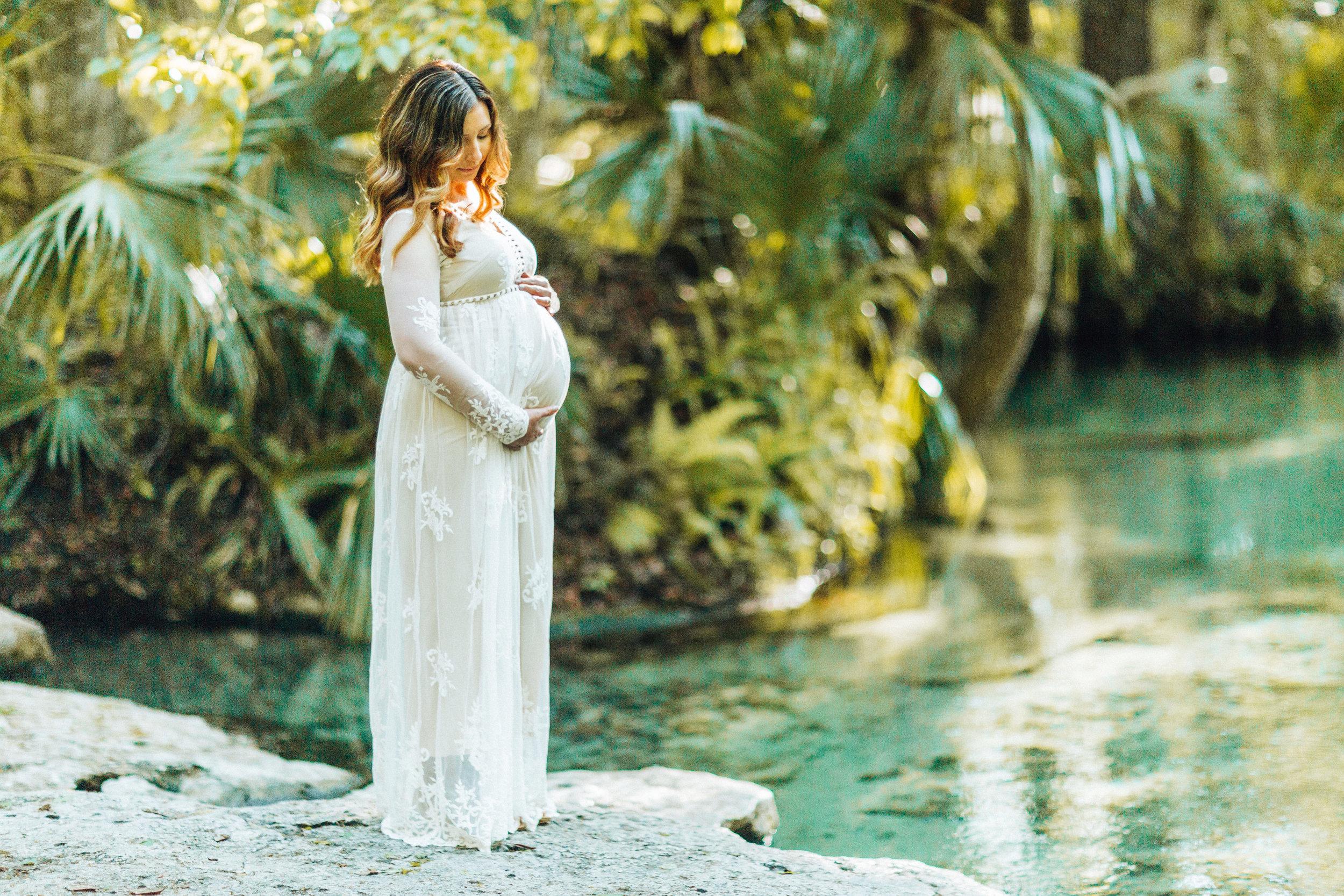 Sneak Peak-Florida Springs maternity photo session- Stephanie+Ryan- ShainaDeCiryan.com-18.jpg