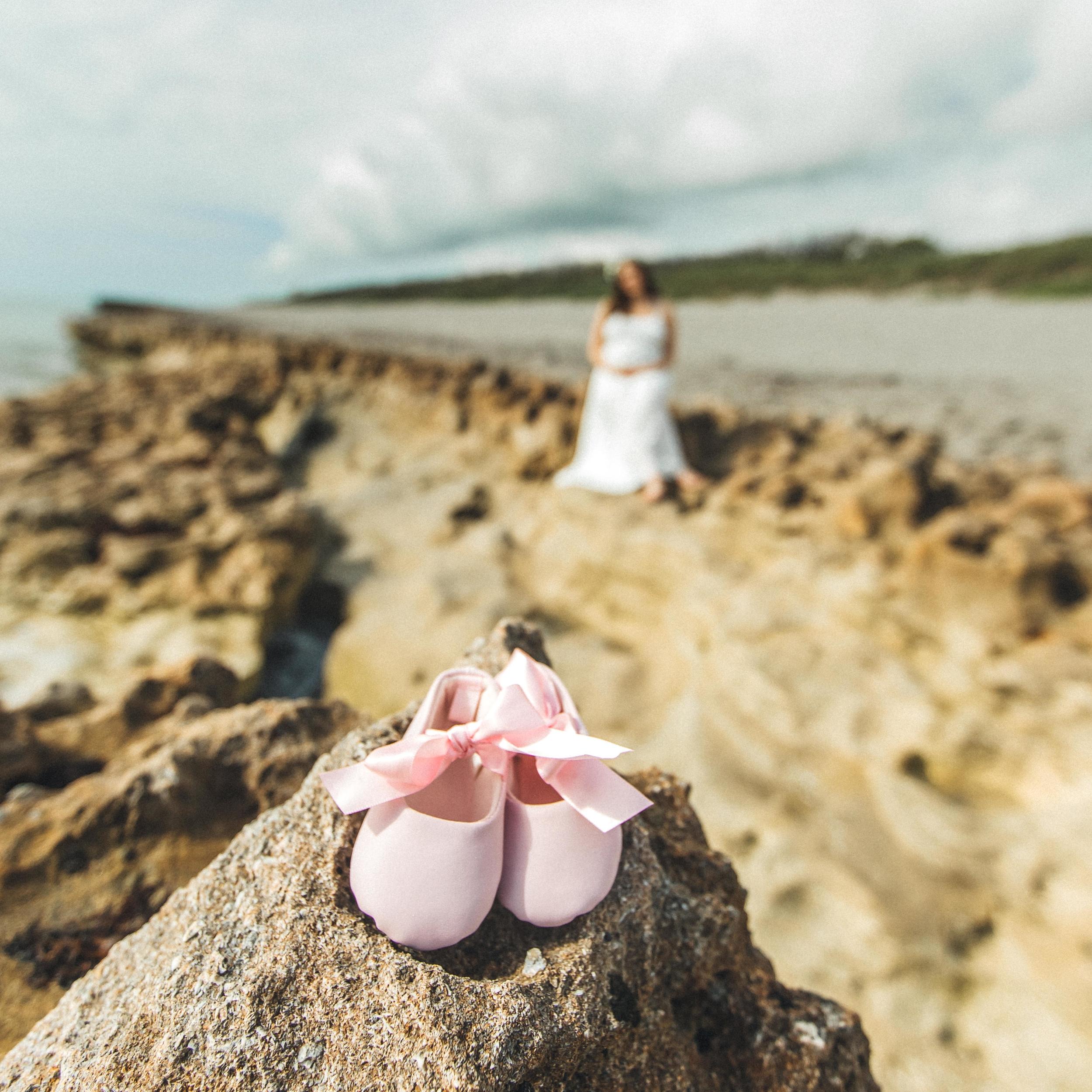 White Maternity Dress- Erica + Aaron's Blowing Rock Preserve- Florida Maternity Photos-54.jpg