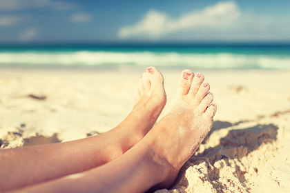 31275925_L_Feet_Sand_Legs_Beach_Clouds_Female_Foot_Legs_Nails_Pedicure_Rest_Sea_Seaside_Sunny_Toes_.png