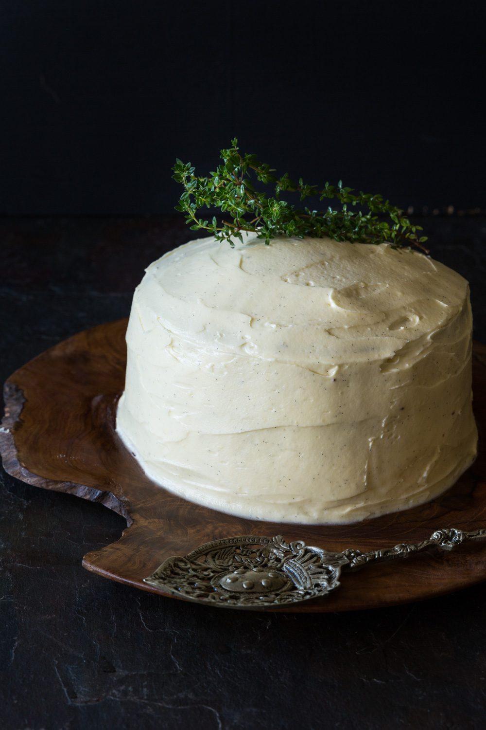 Lemon and thyme poppy seed cake