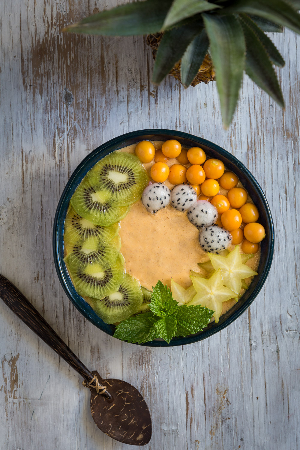 Pineapple, Paw Paw and Kiwi Smoothie Bowl