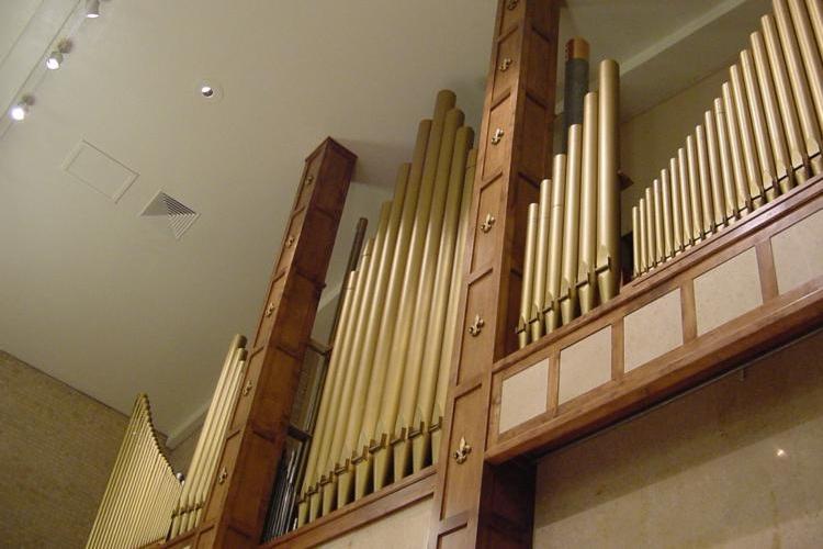 Chancel+Organ+Facade.jpg