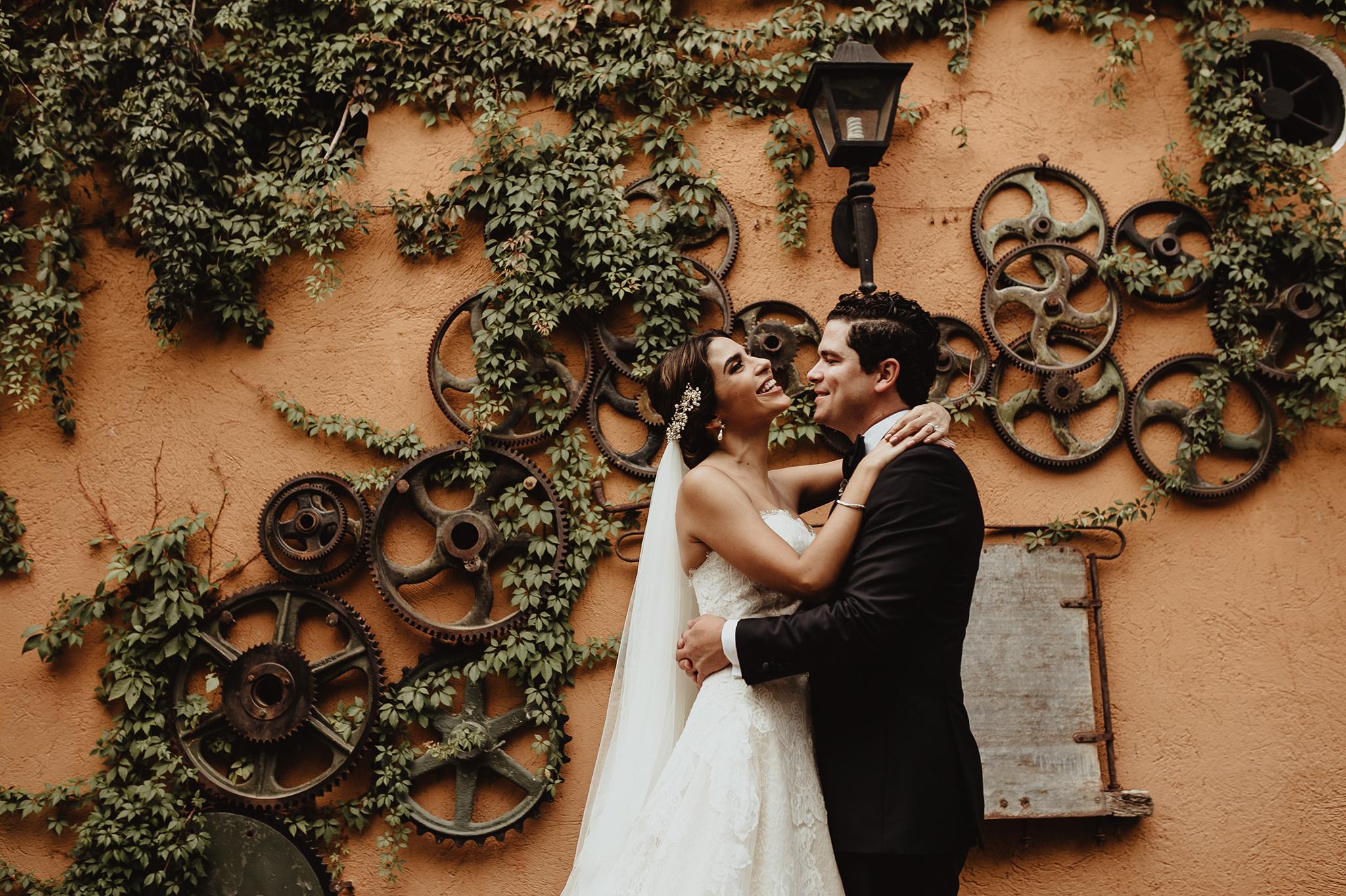 0177F&Yslide_WeddingDstination_MeridaYucatan_HaciendasMerida_BodasMexico_BodasYucatan_Boda_Destino.jpg