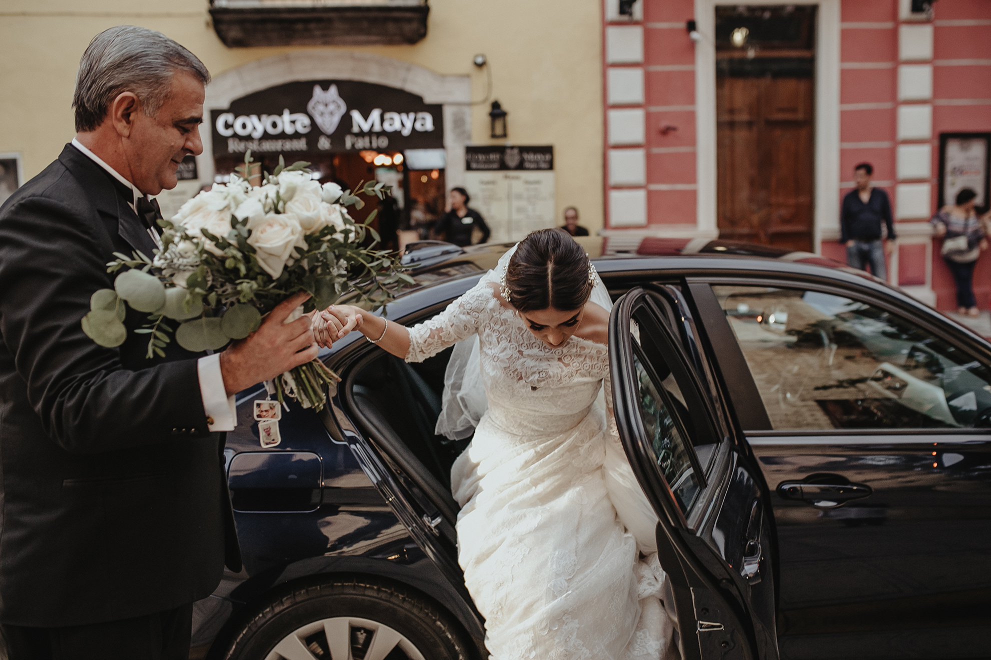 0206F&Yslide_WeddingDstination_MeridaYucatan_HaciendasMerida_BodasMexico_BodasYucatan_Boda_Destino.jpg