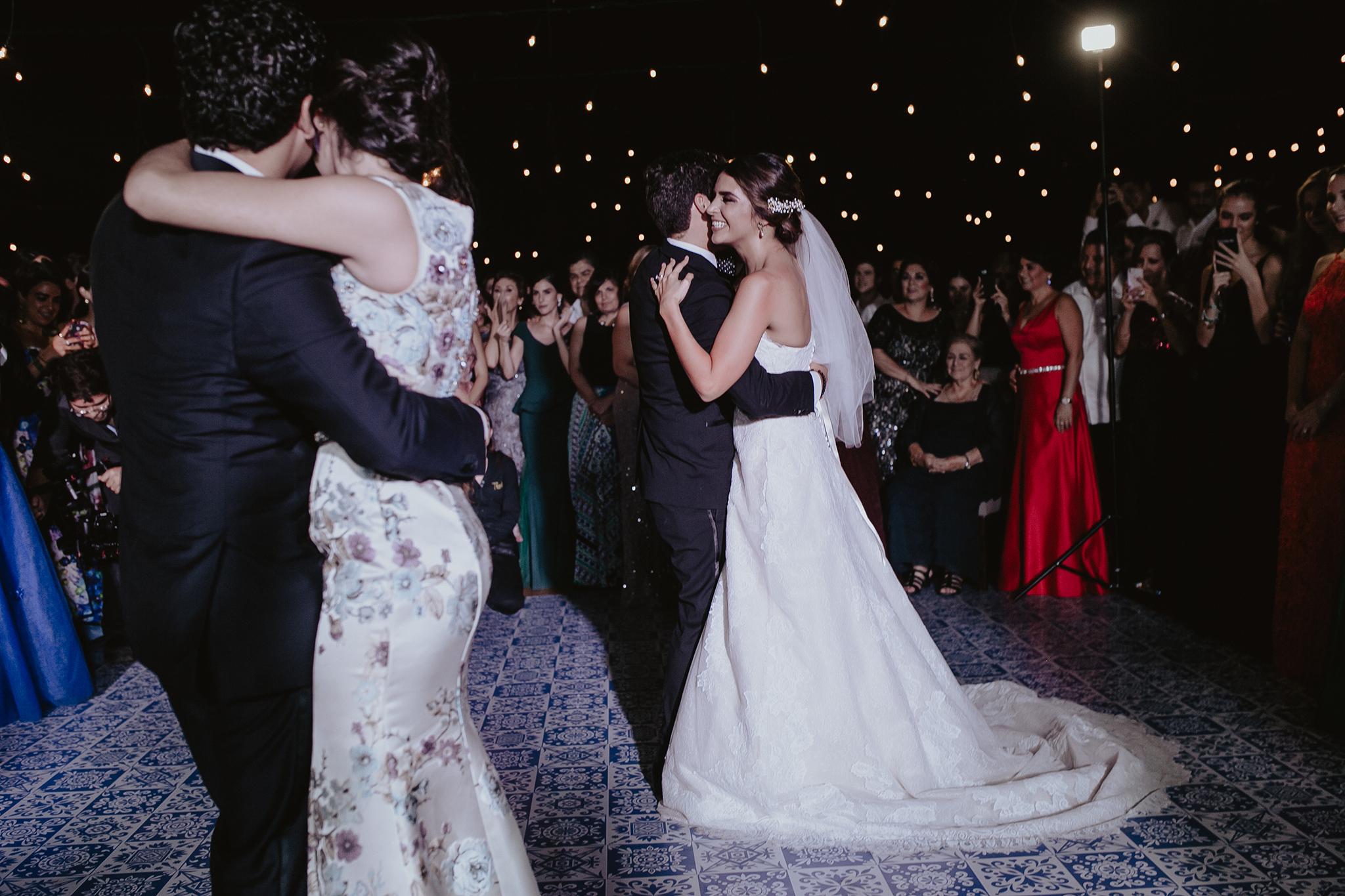 0308F&Yslide_WeddingDstination_MeridaYucatan_HaciendasMerida_BodasMexico_BodasYucatan_Boda_Destino.jpg