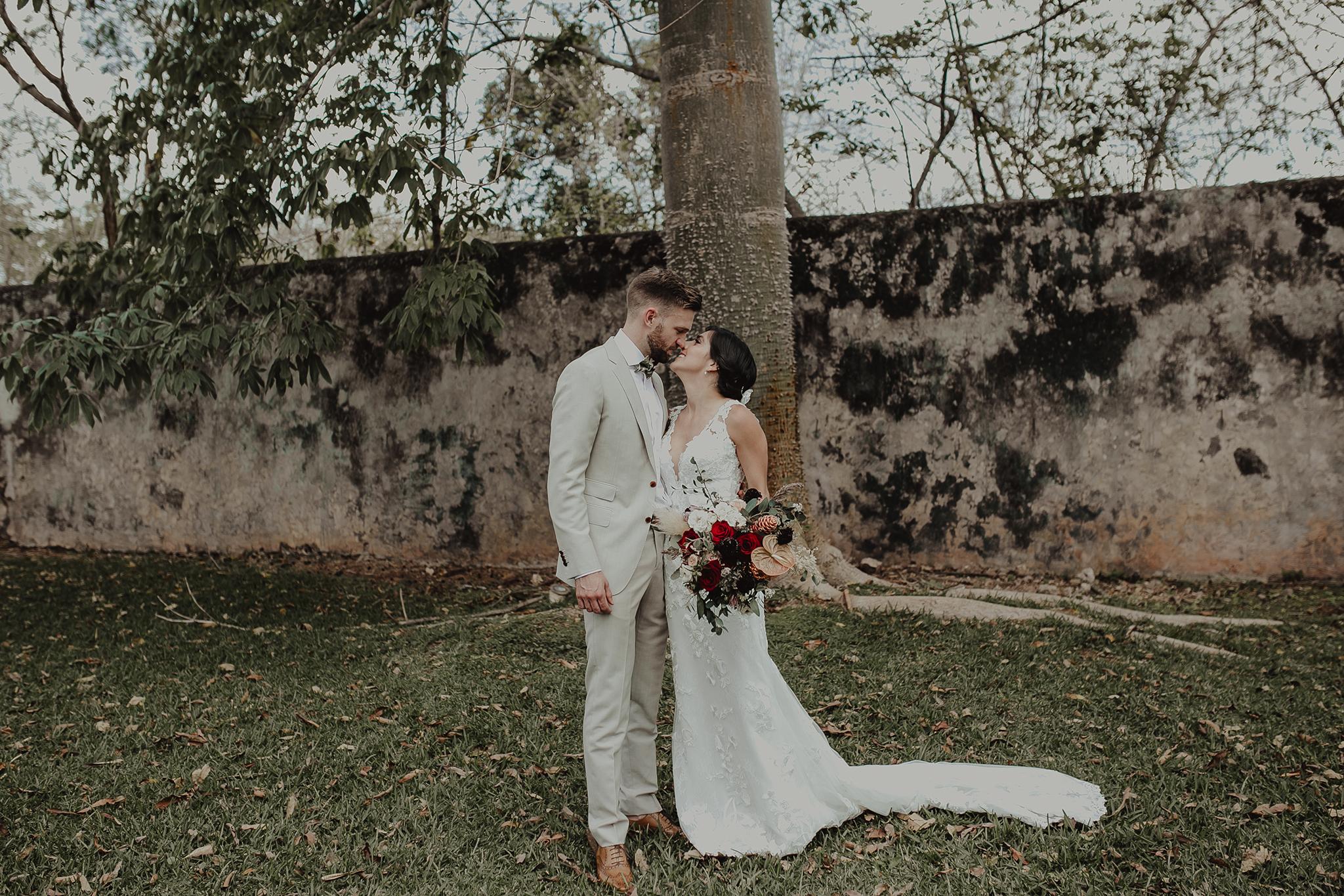 0102M&Cslide_WeddingMerida_.jpg