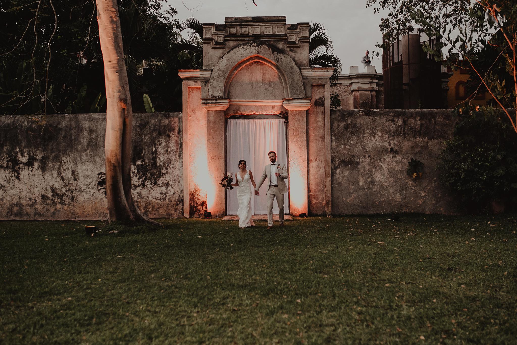 0284M&Cslide_WeddingMerida_.jpg