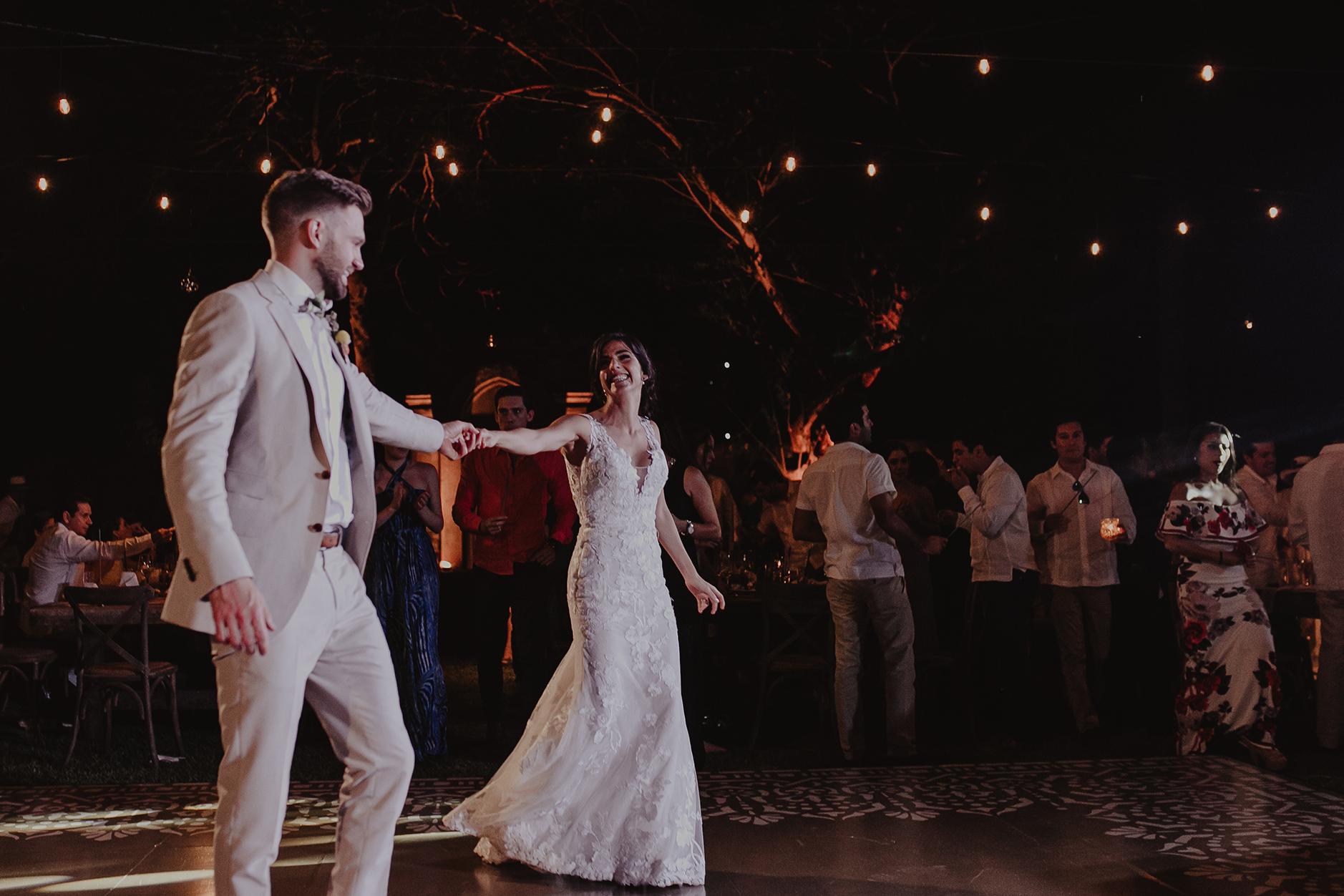 0313M&Cslide_WeddingMerida_.jpg